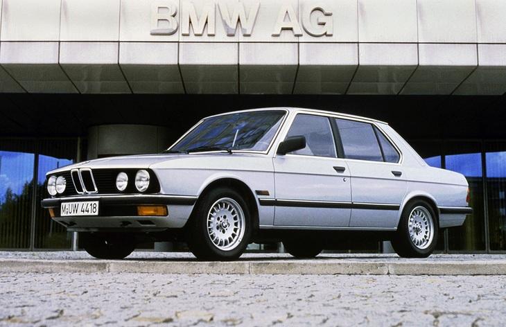 Седан BMW пятой серии второго поколения (E28), 1981–1987