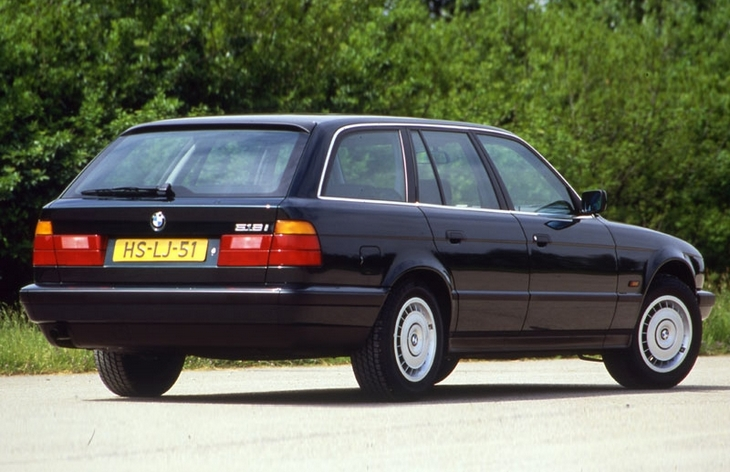 Седан BMW пятой серии третьего поколения (E34), 1987–1995