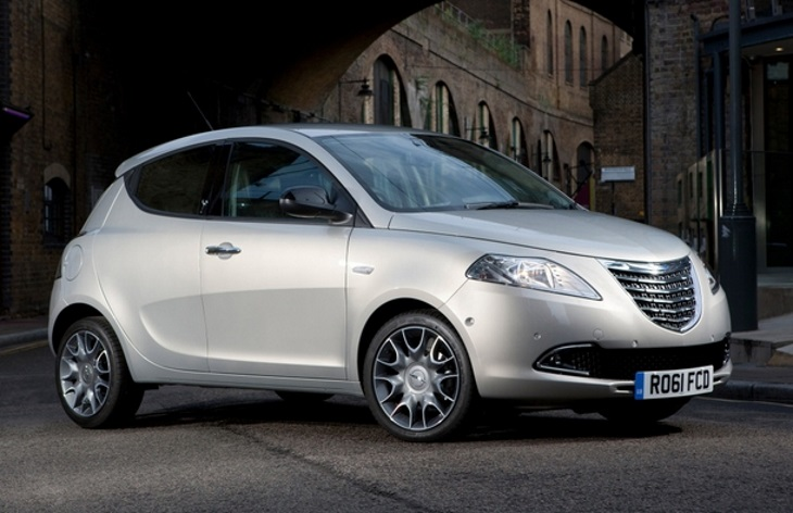 Хэтчбек Chrysler Ypsilon