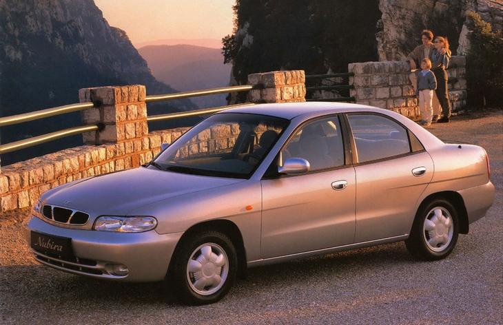 Седан Daewoo Nubira первого поколения, 1997–1999