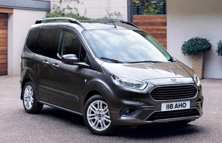 Минивэн Ford Tourneo Courier