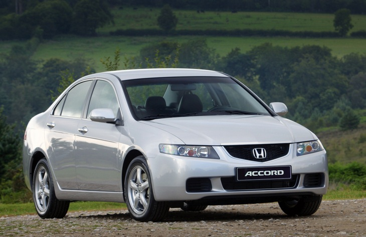 Седан Honda Accord седьмого поколения (европейская версия), 2002–2008
