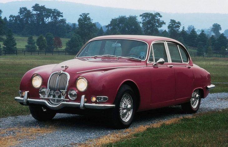 Седан Jaguar S-Type, 1963–1968