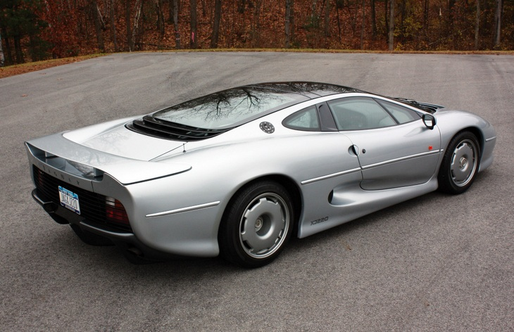 Jaguar XJ220 — история модели, фото, цены
