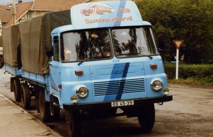 Грузовой автомобиль Robur LO 3000