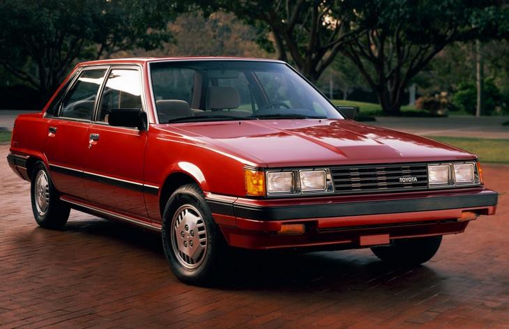 Седан Toyota Camry первого поколения, 1982-1986