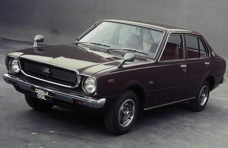 Седан Toyota Corolla третьего поколения, 1974–1981