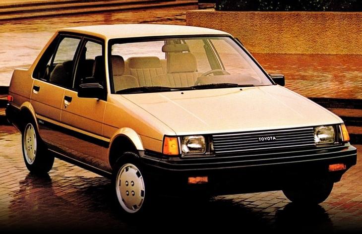 Седан Toyota Corolla пятого поколения, американская версия, 1983–1987