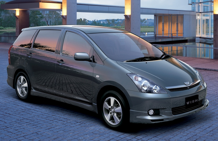 Тойота Виш фото характеристики цены