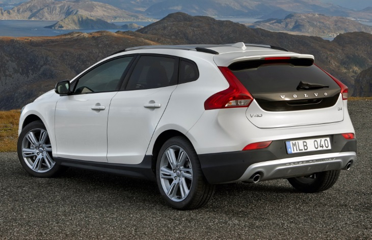 Хэтчбек Volvo V40 Cross Country