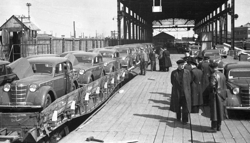 Отправка продукции МЗМА, 1951 год