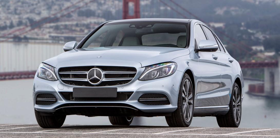 У седана Mercedes-Benz C-класса появились новые версии