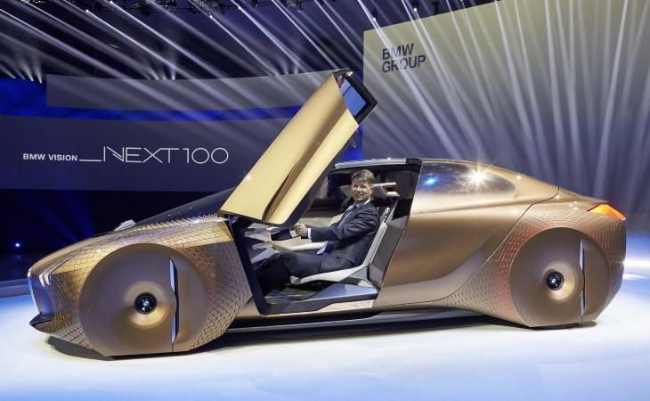 В честь своего 100-летия BMW представил концепт Vision Next 100