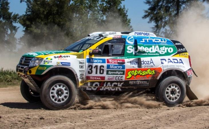 Компания Рэно представила новейшую лимитированную серию кроссоверов DUSTER Dakar