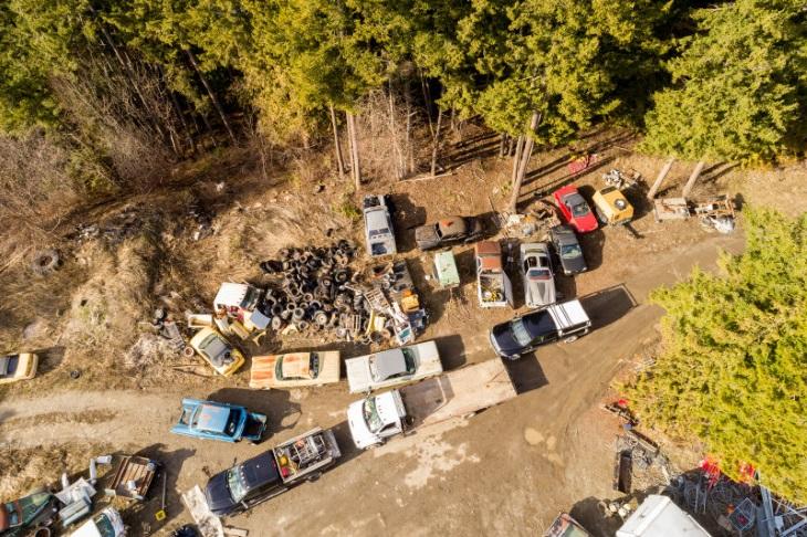 Канадское кладбище авто выставили на реализацию за млн долларов