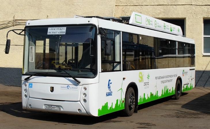 Предыдущая версия модели КамАЗ-6282