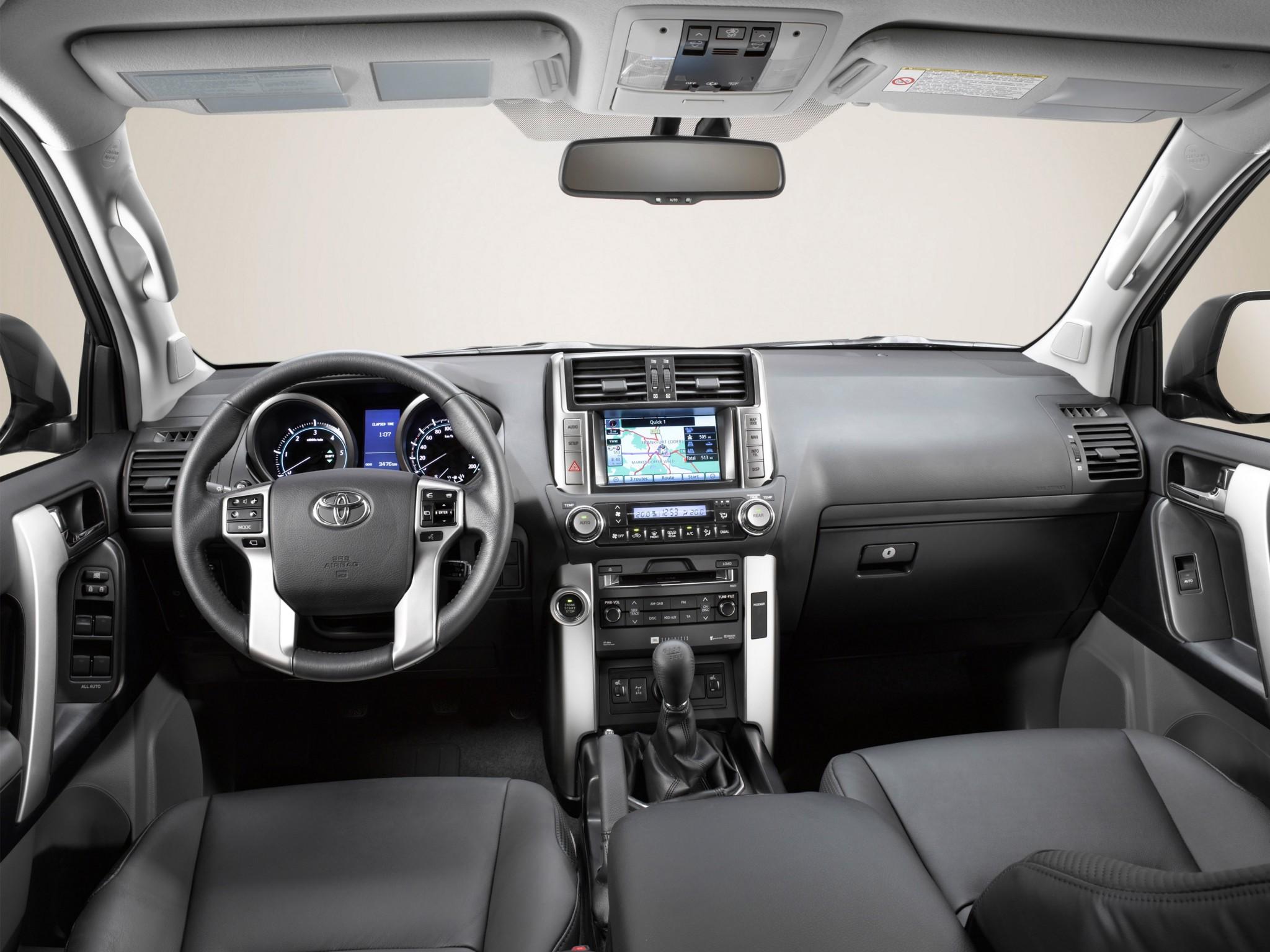 24 декабря в России начнутся продажи нового поколения Toyota Land