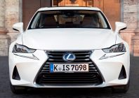 Lexus IS, 2016