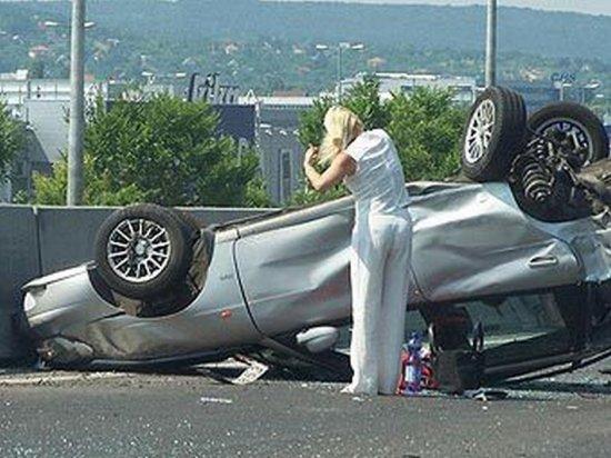 того, из-за как вести себя в экстремальных ситуациях за рулём отбирает