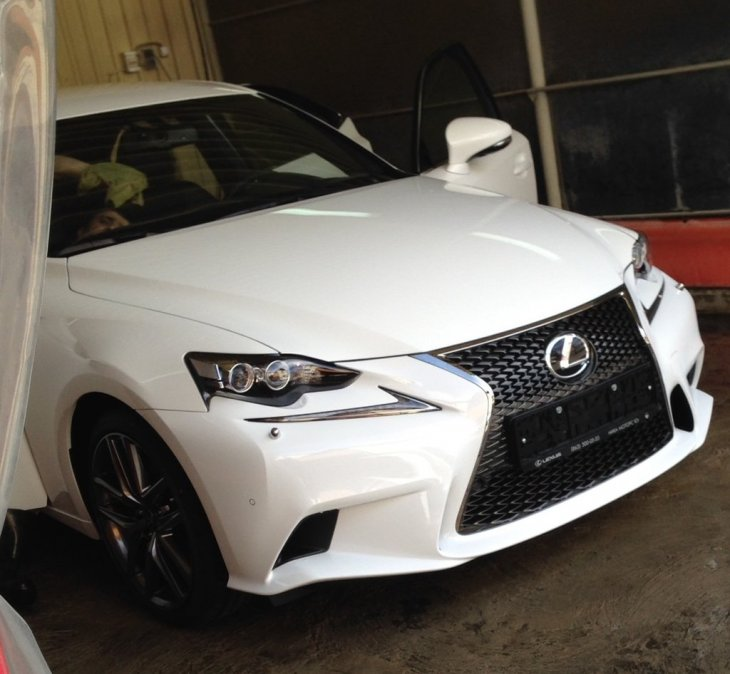 Lexus IS250 (2014 г.)