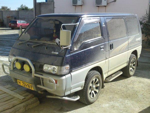 mitsubishi delica 1993 комплектация