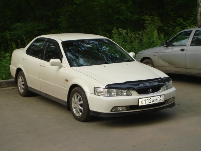 Honda Accord (2000 г.)